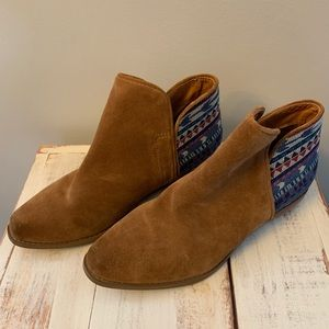 Sbicca Vintage Collection Aztec Booties Size 7.5